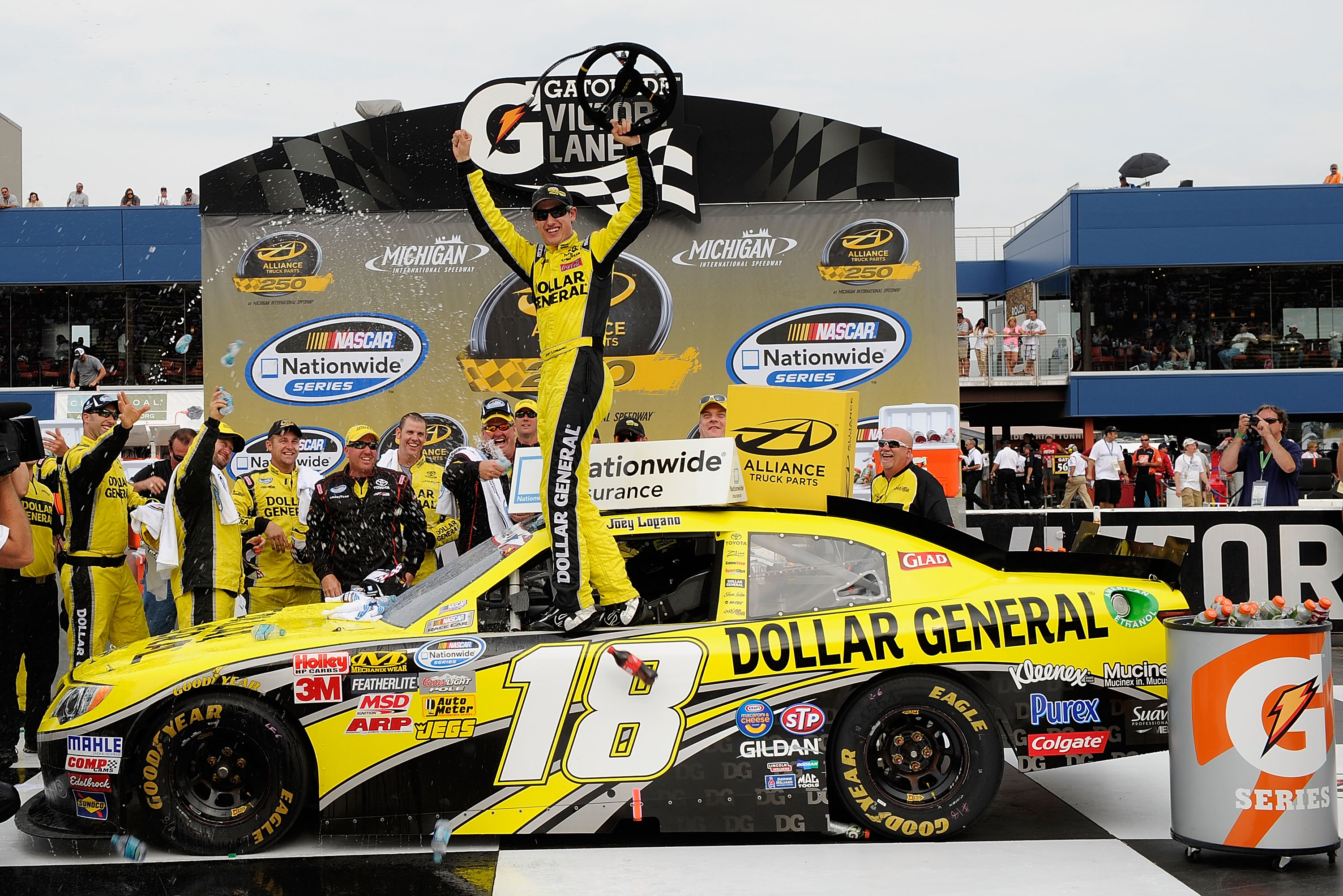 Logano continues strong runs, wins fifth Nationwide series race |