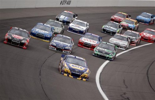 2012-Kansas-April-NASCAR-Sprint-Cup-Race-Martin-Truex-Jr-Leads-495x321