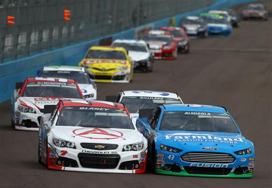 2013-NASCAR-Subway-Fresh-Fit-500-Phoenix-030313-1